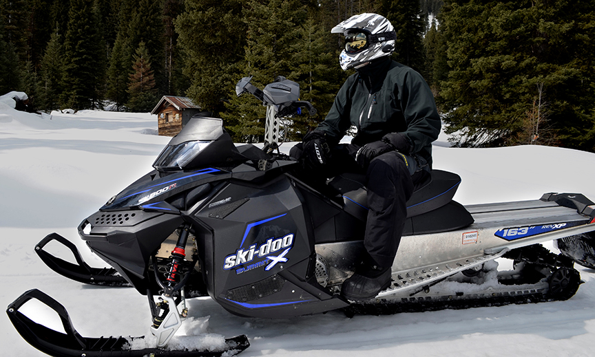 UCLEAR_AMP_Bluetooth_Audio_System_Snowmobile_01